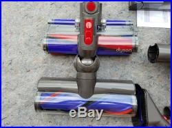 Dyson V8 Absolute Cordless Vacuum Cleaner 2 Heads Latest Model Available -NEW
